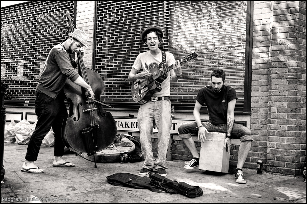 photoblog image On The Tourist Trail - Busking On Da East Side